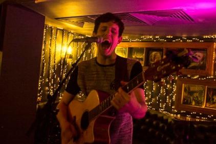 MatthewMoore(acousticsolo)